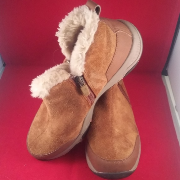 165be80dcdd EASY Spirit Esprisco Brown Leather Booties